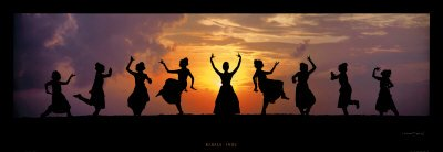 kerala ladies dancing sunset